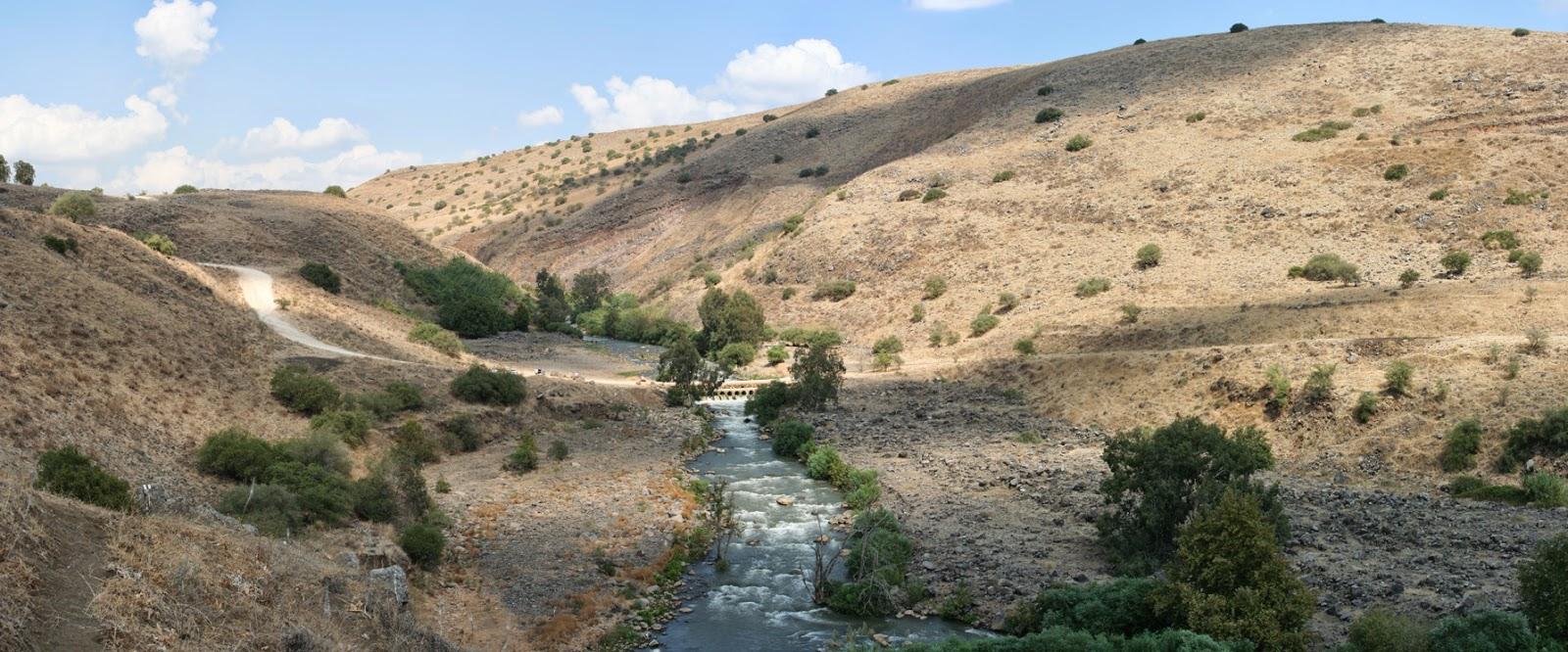 http://www.newscientist.com/article/dn25469-multifaith-bid-to-save-river-jordan-may-inspire-peace.html#.U2S6cFcglSn