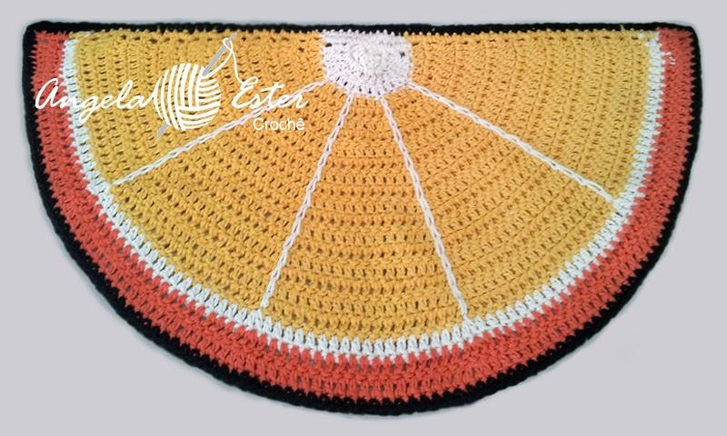 http://angelaestercroche.blogspot.com.br/2014/01/tapete-laranja-de-croche.html