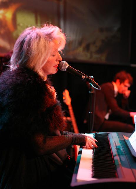 Watine au piano