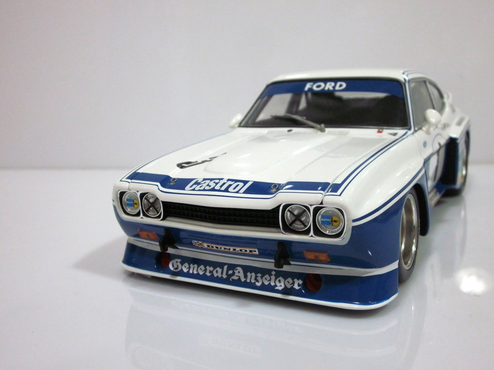 Ford Capri RS 3100 #3 K. Ludwig Hockenheimring. DRM - 1975 - Minichamps