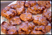 http://foodiefelisha.blogspot.com/2012/12/homemade-apple-fritters.html