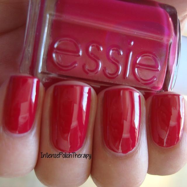Essie - Plumberry