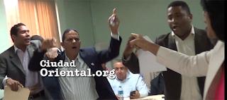 Regidores del PRD defienden con furia a Juancito ante ataques del PRM