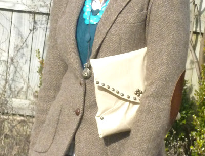 Vintage tweed fashion bloggers