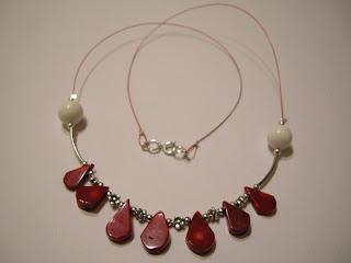 biżuteria z półfabrykatów - koralowe łezki (korale)