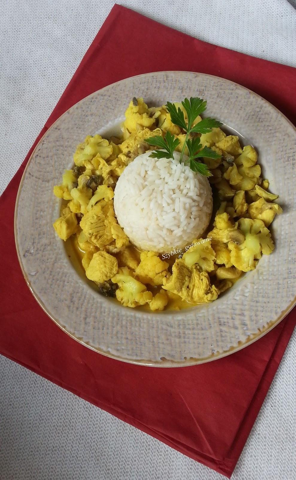 http://nietracczasunagotowanie.blogspot.com/2014/08/pyszne-curry-z-kurczakiem-kalafiorem-i.html