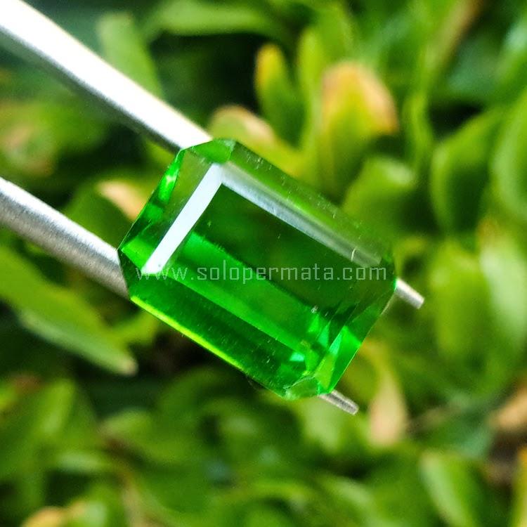 Batu Permata Green Tektite - SP539