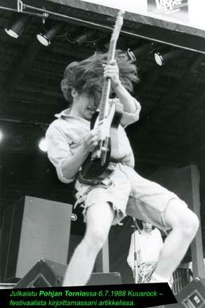 Lehdissä julkaistuja valokuviani: Melrose, Kuusrock, 1988