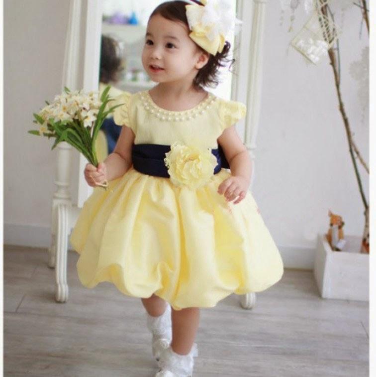 gambar anak kecil pakai gaun pesta