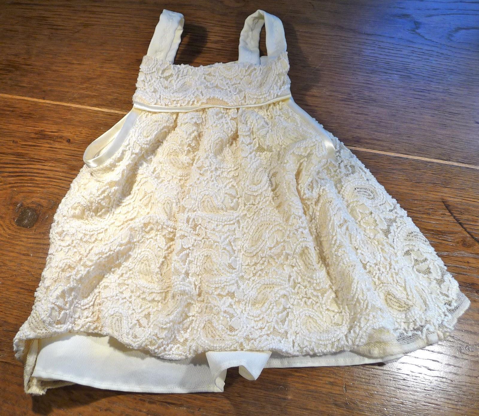 Taufkleid – Kleider für die EnkeltochterKleider für die Enkeltochter ...