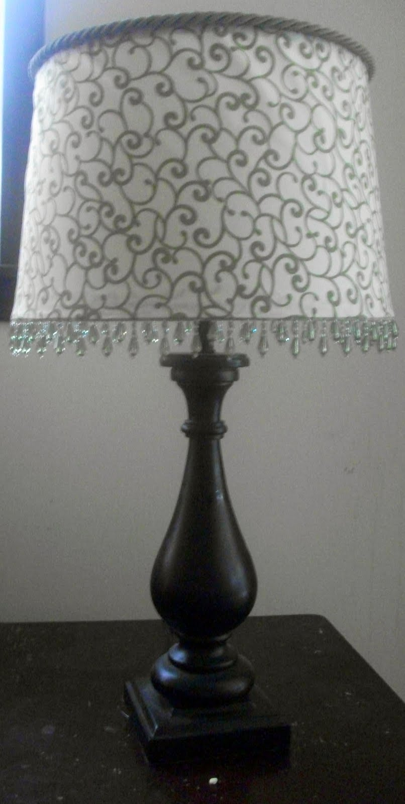 Thrifty crafty girl i 39 ve succumbed to peer pressure for Redo lamp shades