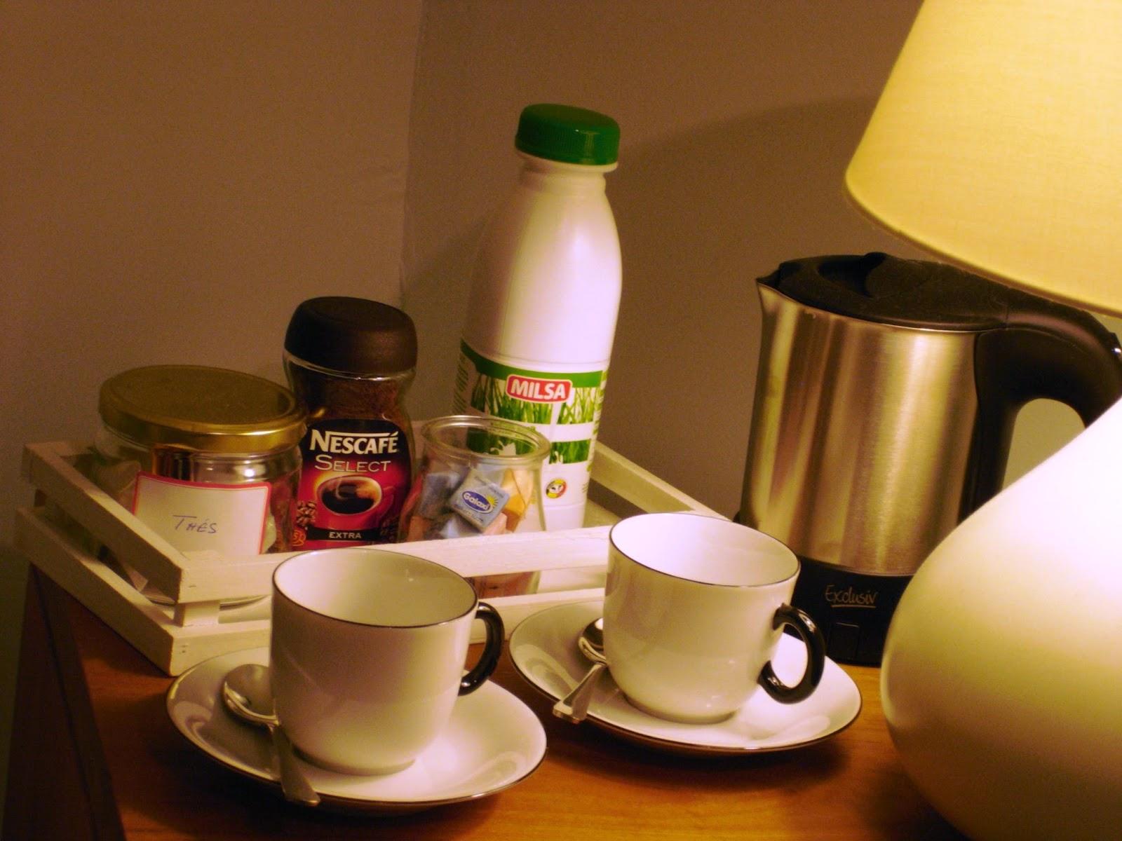 coffee in the rooms ceci n'est pas un hotel mais quand même