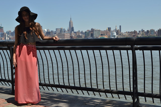 ootd, fashion blogger, hoboken, fashion blogger argentina, maxi skirt, crop top, black, floppy hat