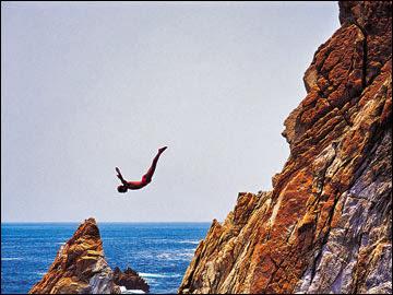 Los típicos saltos en Acapulco