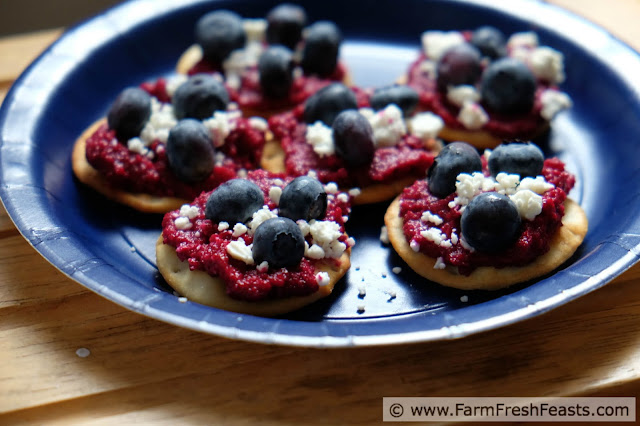 http://www.farmfreshfeasts.com/2015/06/red-white-and-blue-savory-appetizer.html