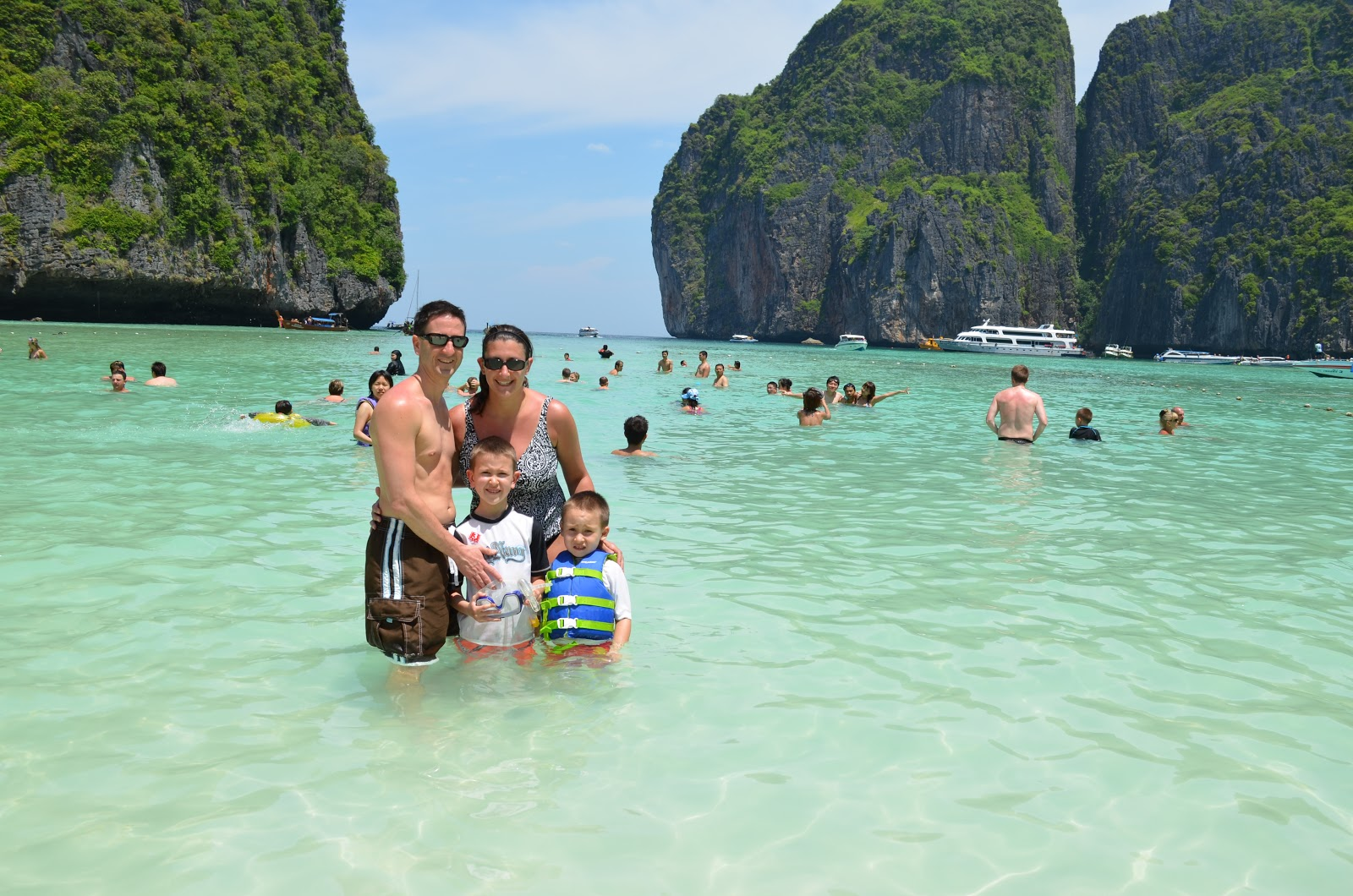 The Bond Family Adventure Nanjing China And Pattaya Thailand - 8 amazing family destinations in thailand