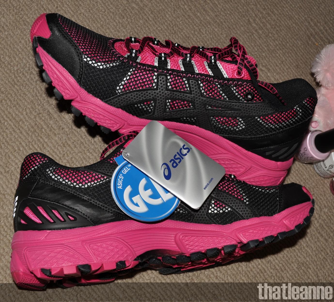 http://2.bp.blogspot.com/-0x24DlonTek/TZbxvHR2oDI/AAAAAAAABBc/f0_Wg75aBEk/s1600/hot+pink+shoesssssssssssss.jpg