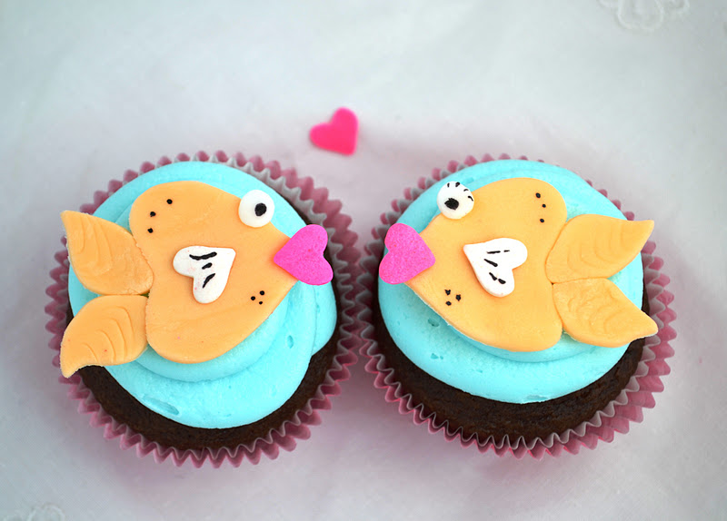 fish style sweetology kissing fish cupcakes