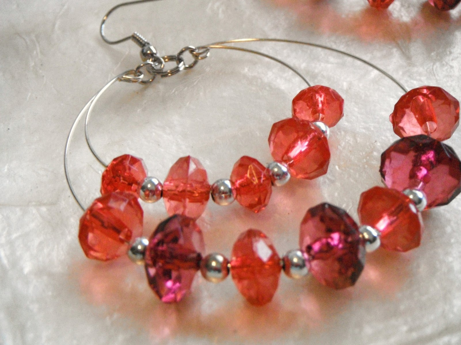 Matchless Designs: Memory Wire Earring Tutorial