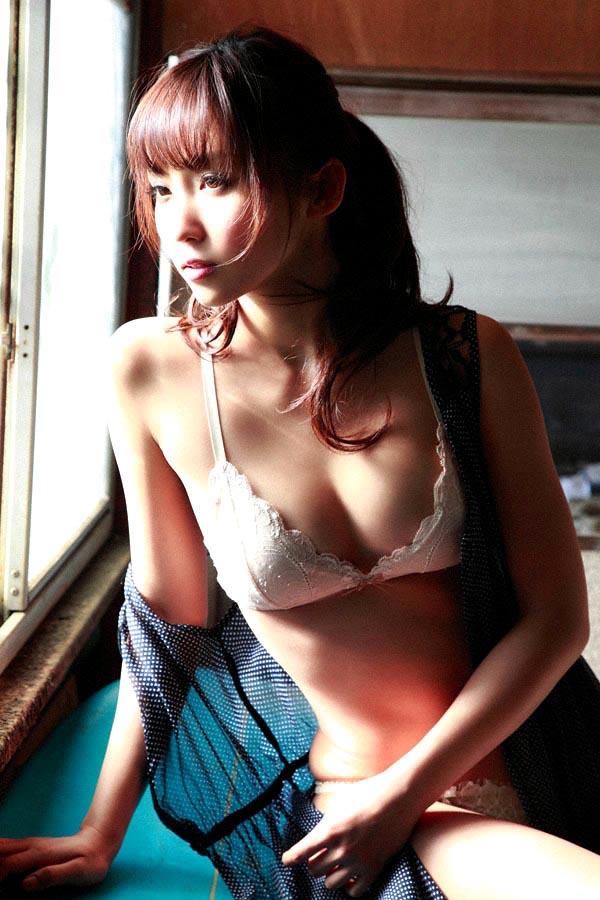 risa yoshiki sexy nude photos 04