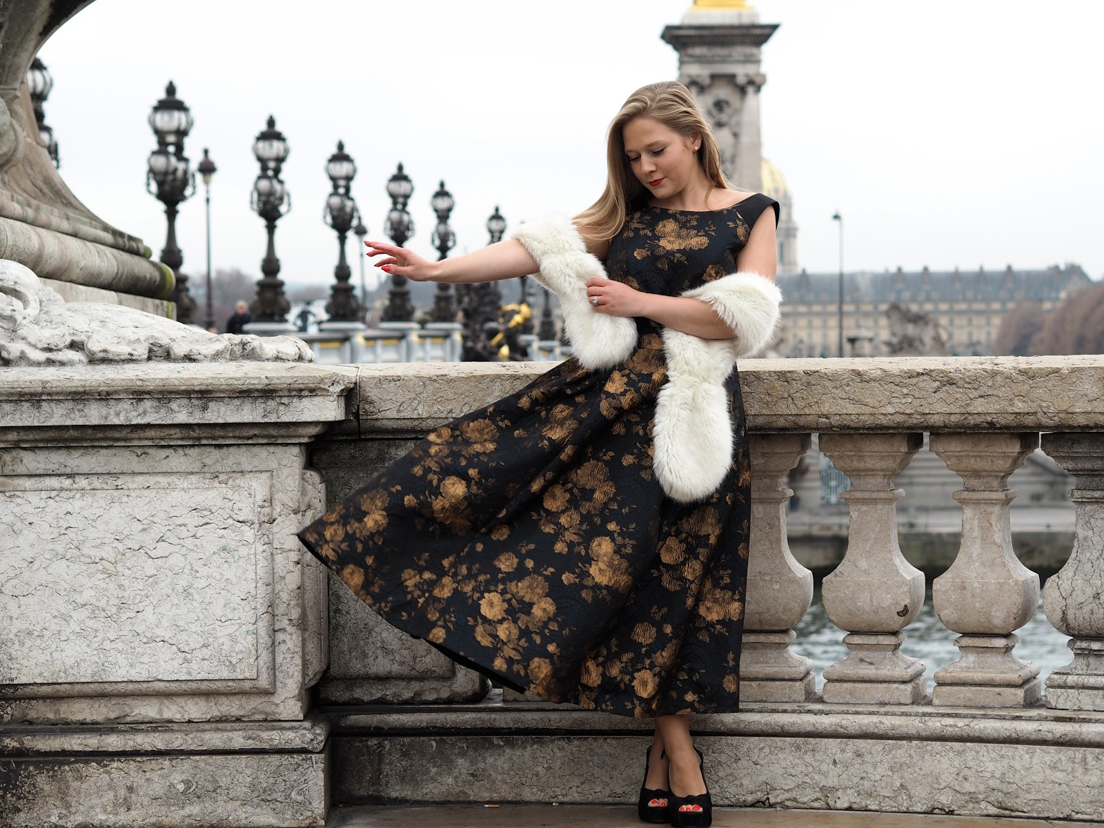 Blonde girl, Katie Matthews, KALANCHOE wearing Charlet Jacquard Dress by Ted Baker, 40's style