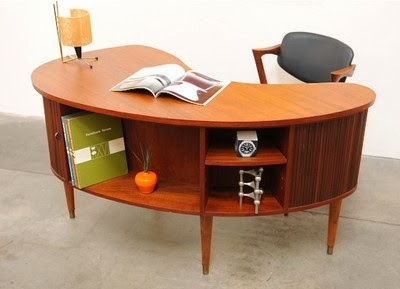 Superieur Maybe Itu0027s Because Iu0027m An Austin Copywriter By Day That I Put Such High  Value On A Good Looking Desk, But Iu0027m In Love With This Style Of Mid Century  Desk.