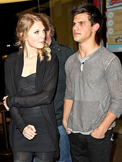 pics of taylor lautner with taylor swift