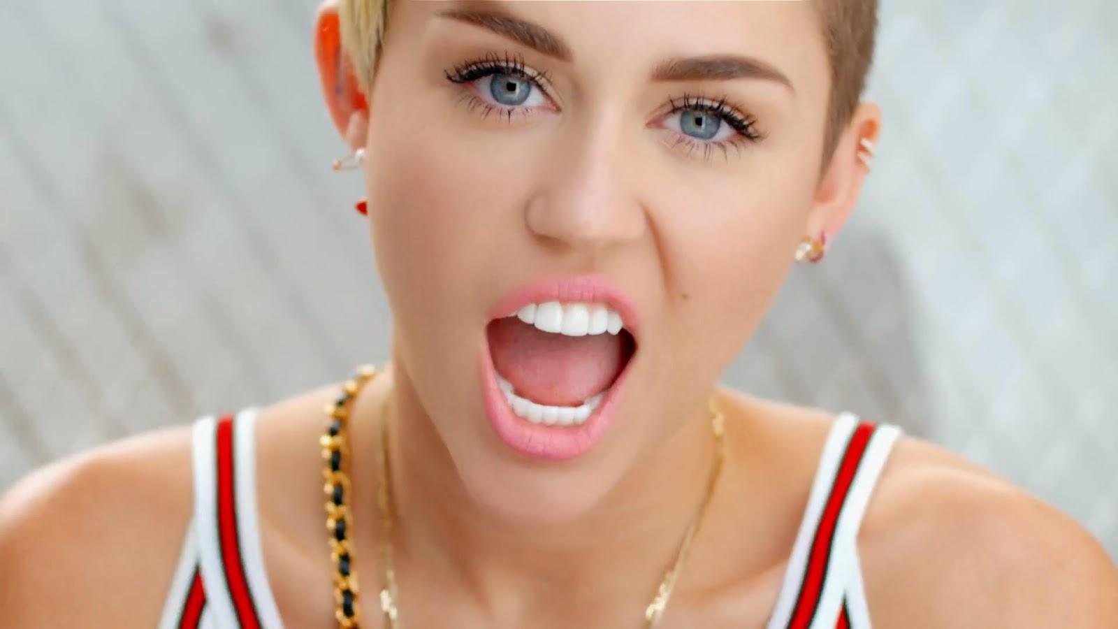 Miley cyrus mais uma vez causa polemica