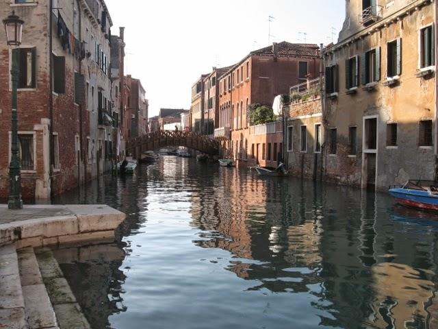 Per le vie di milano il carnevale di venezia for Vie di milano