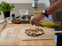 Perfekte Pizza selbst gemacht im Backofen