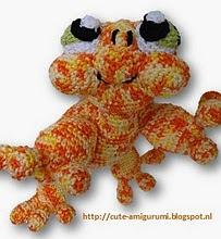 http://www.ravelry.com/patterns/library/sacha-de-salamander