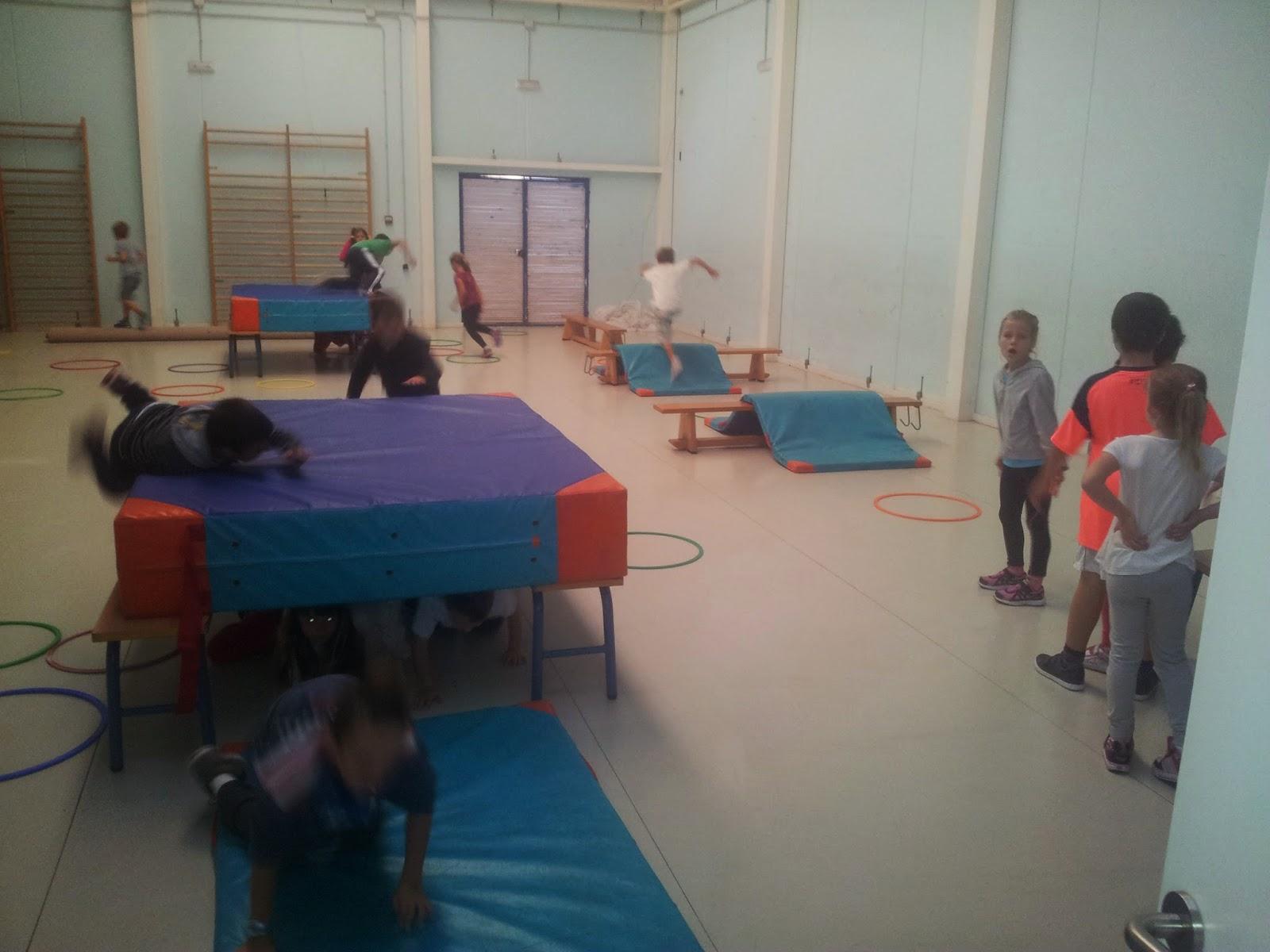 Ceip isdabe del mar unidad did ctica de juegos en el gimnasio for Gimnasio 60 entre 8 y 9