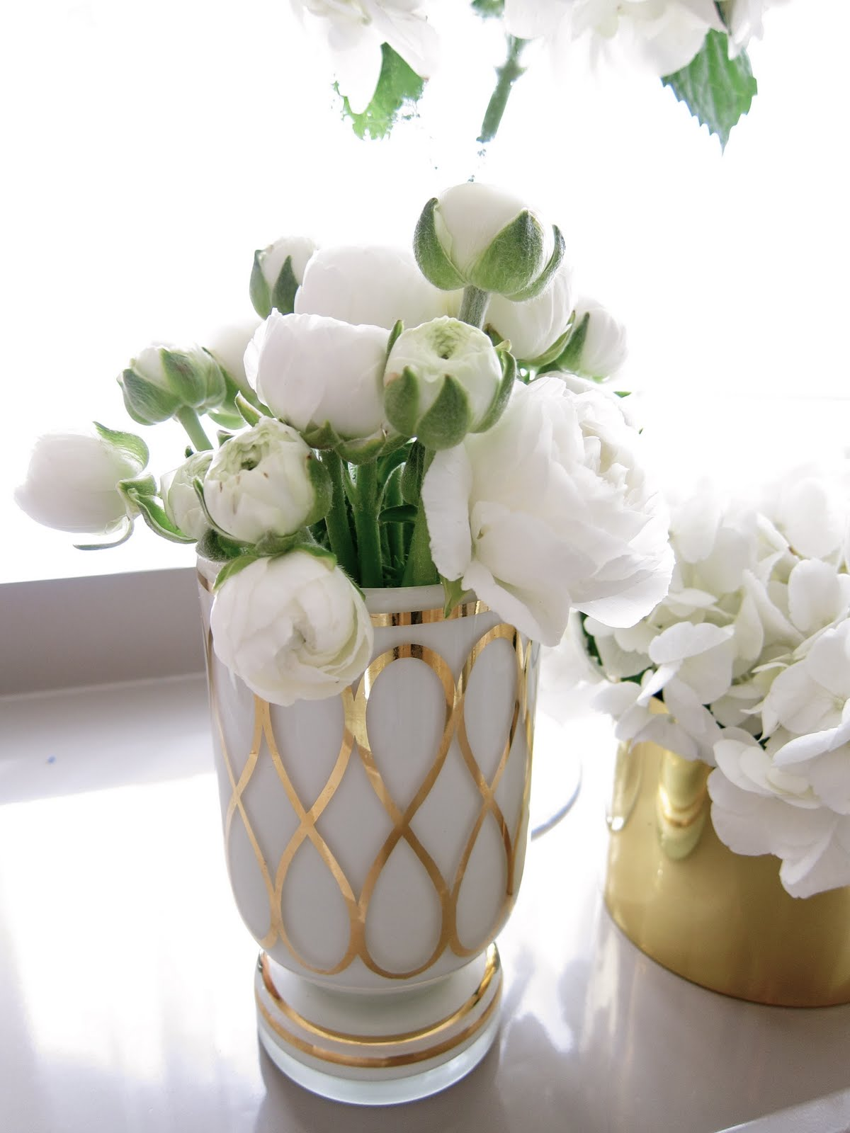white and gold white and gold vases. Black Bedroom Furniture Sets. Home Design Ideas