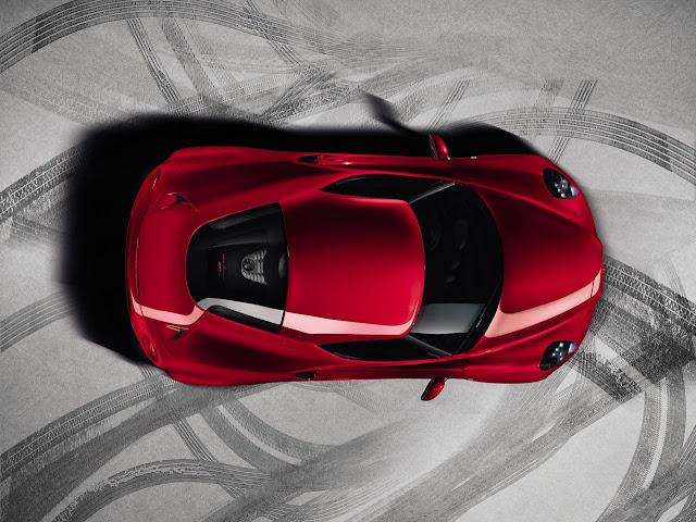 La nuova Alfa Romeo 4C vista dall'alto