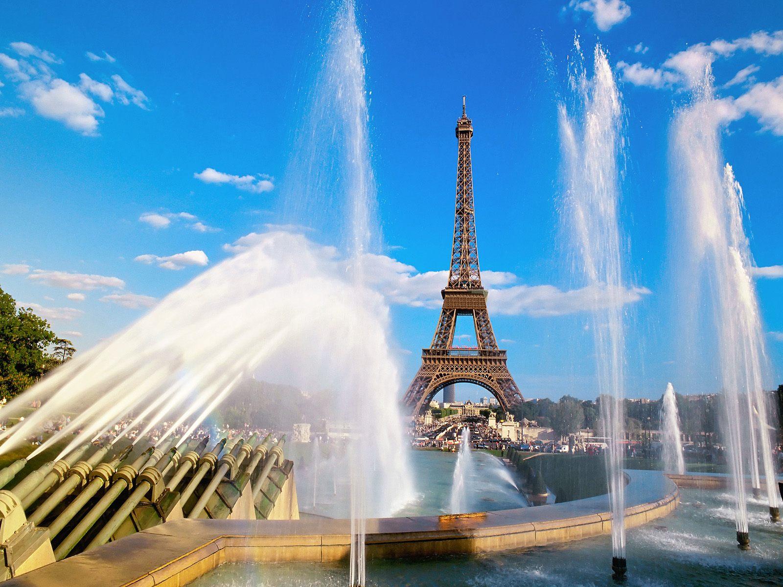 http://2.bp.blogspot.com/-0ypp6QWe6z4/TlUol5JMlOI/AAAAAAAAA6U/2fUprolxRQo/s1600/Eiffel_Tower_Paris_France_021.jpg