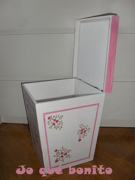 Papelera - banco para la habitación de una niña