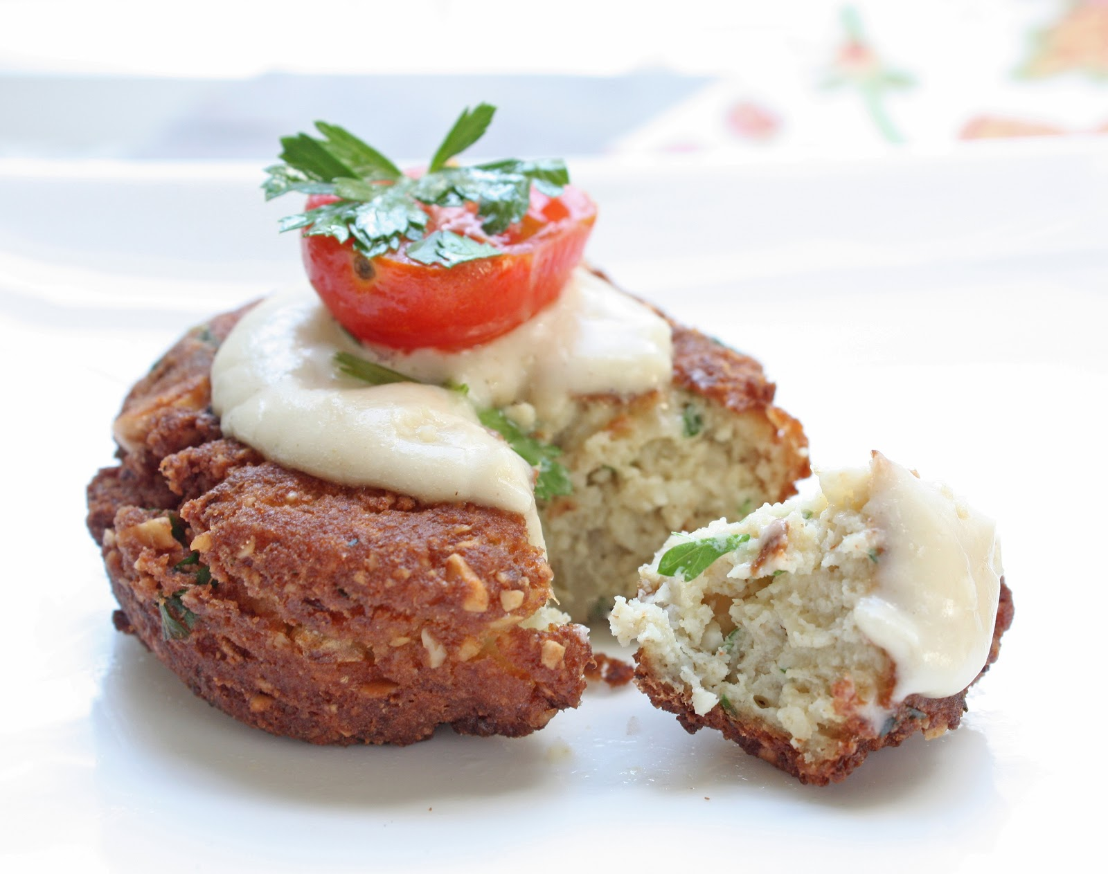 ... falafel with garlic tahini sauce recipes dishmaps falafel with tahini