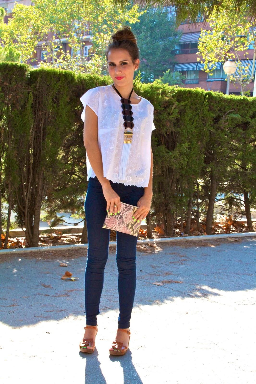 OUTFIT DEL Du00cdA Outfits con T-shirt blanca y pantalones