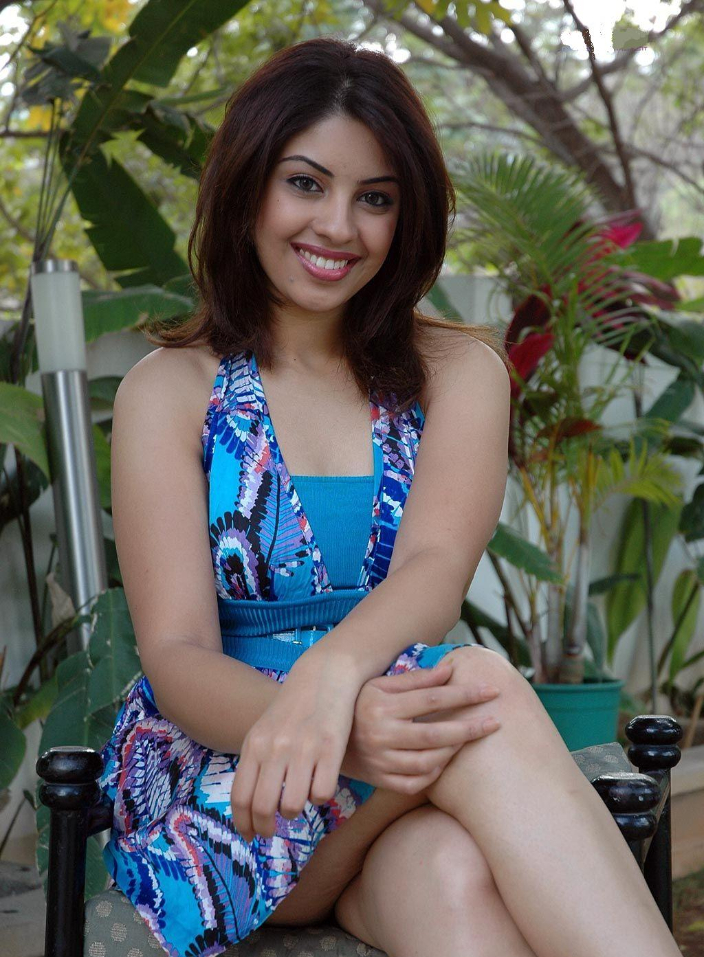 high quality bollywood celebrity pictures  richa gangopadhyay super sexy photoshoot