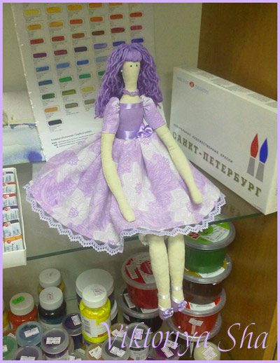 кукла Тильда - Виолетта в интерьере