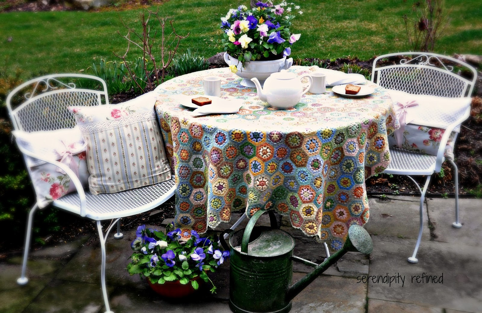 Serendipity refined blog white spray painted metal patio furniture and tea in my garden Spray painting metal patio furniture