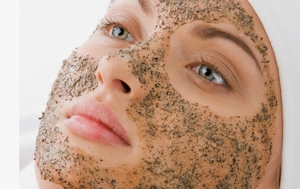 5 DIY Homemade Scrub For Dry Skin