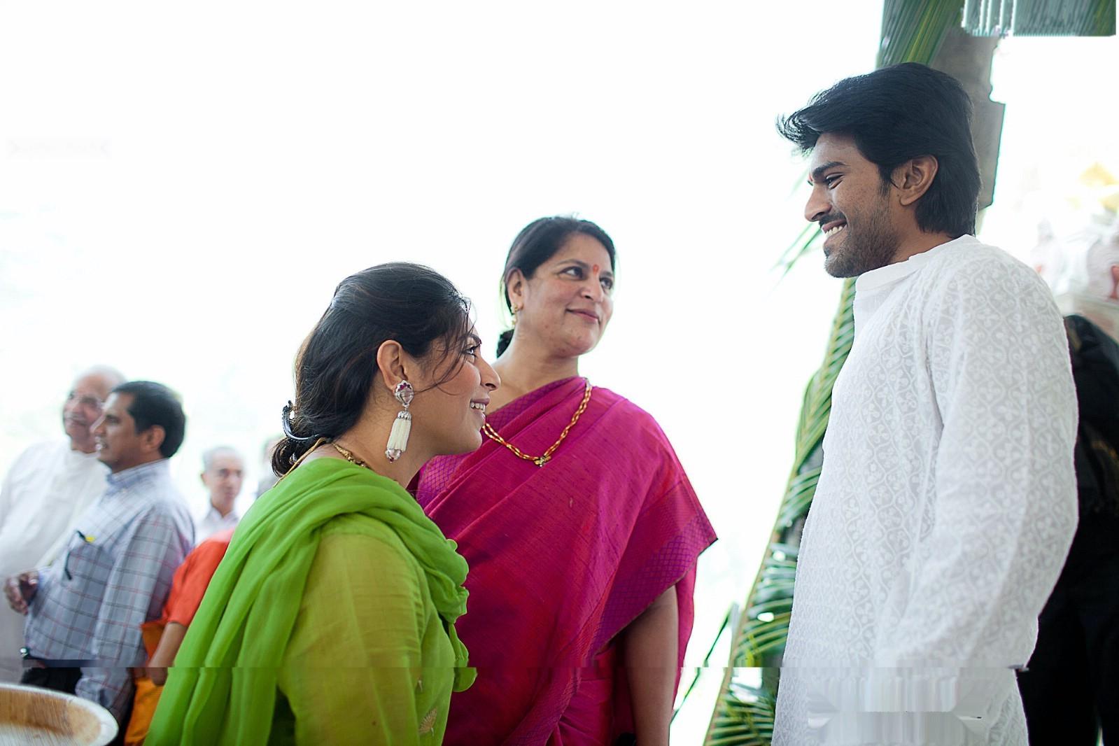 Actor shakti kapoor family photo