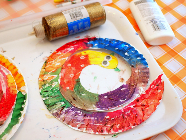 Easy and Colorful Paper Plate Snakes (Preschool art and craft project)
