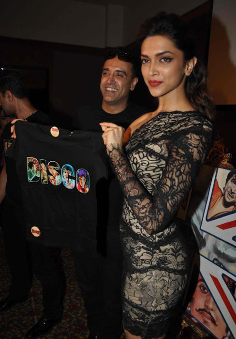 deepika padukone launch bollywood jollygood t-shirt line actress pics