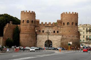 Porta S. Sebastiano (Ворота Сан-Себастьяно)