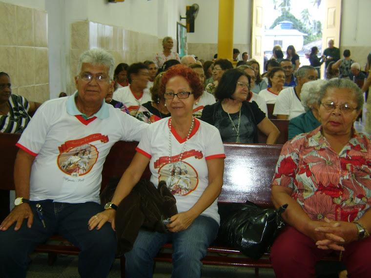 Pê, Leri e Cosma participando da Missa em Camutanga