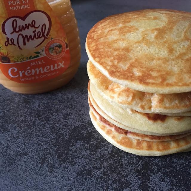 http://danslacuisinedecharlottine.blogspot.fr/2015/10/les-pancakes-de-charlottine.html