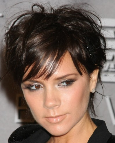 popular-short-hairstyles-2011-Victoria-Beckham-short-wavy-haircut.jpg