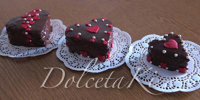 mini cakes ricoperte al cioccolato